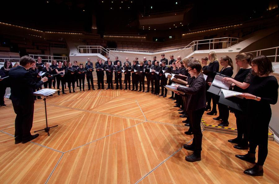 Chor des Jungen Ensembles Berlin / Vinzenz Weissenburger